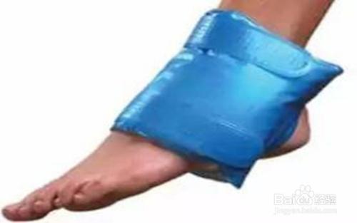 跑步脚拉伤了怎么办图片