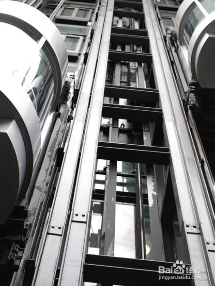 遇到电梯事故做法错误的是图片