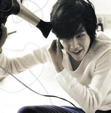 男生保养头发图片