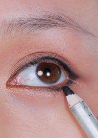 单眼皮大眼妆图片