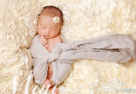 婴儿抚触的注意事项不包括图片