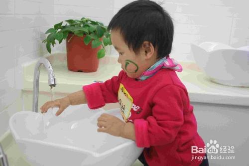 幼儿牙膏是否该含氟图片