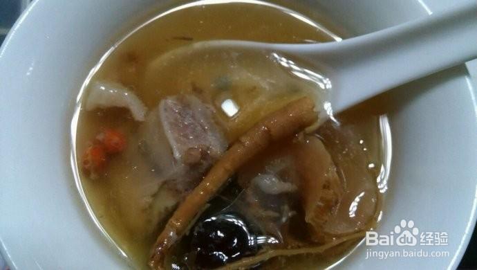 天麻人参排骨汤的做法
