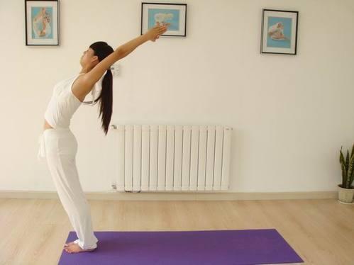 瑜伽入门动作图片教程