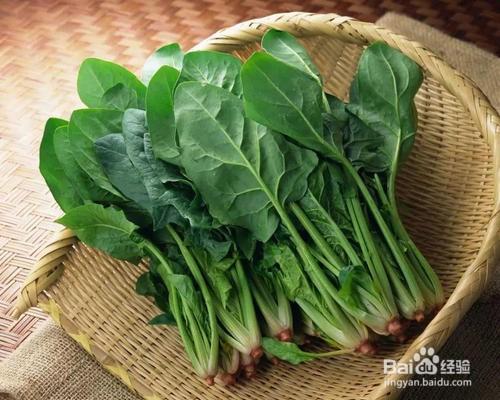 菠菜蚝油炒干豆腐