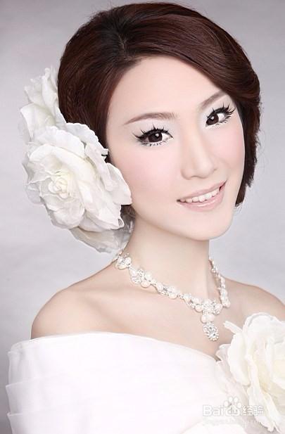 学化妆学费一般多少图片