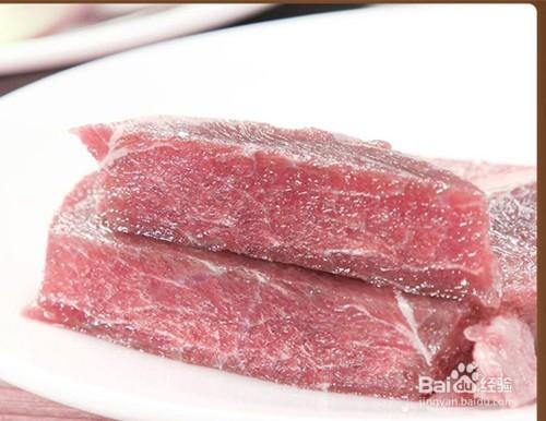 冷冻牛肉块怎么解冻图片