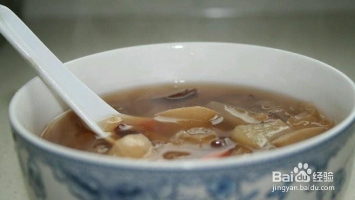 红枣银耳枸杞雪梨汤的做法